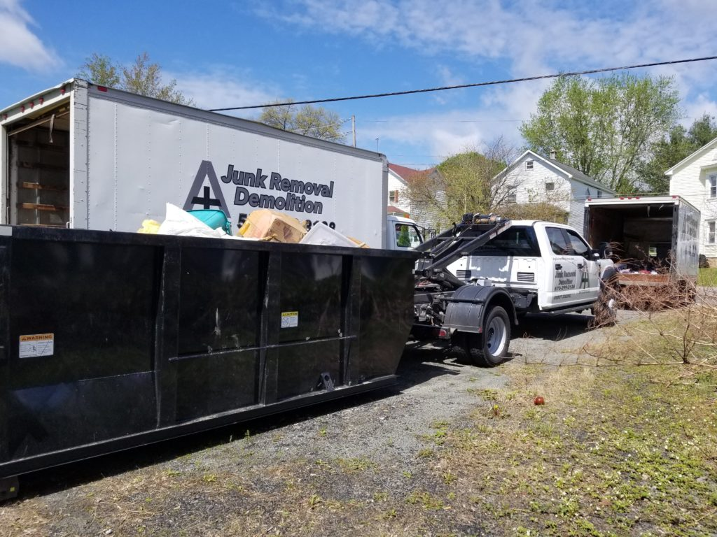 Junk removal services in Olyphant, PA