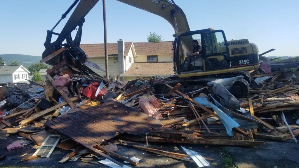 How To Demolish A House in Scranton, Pennsylvania