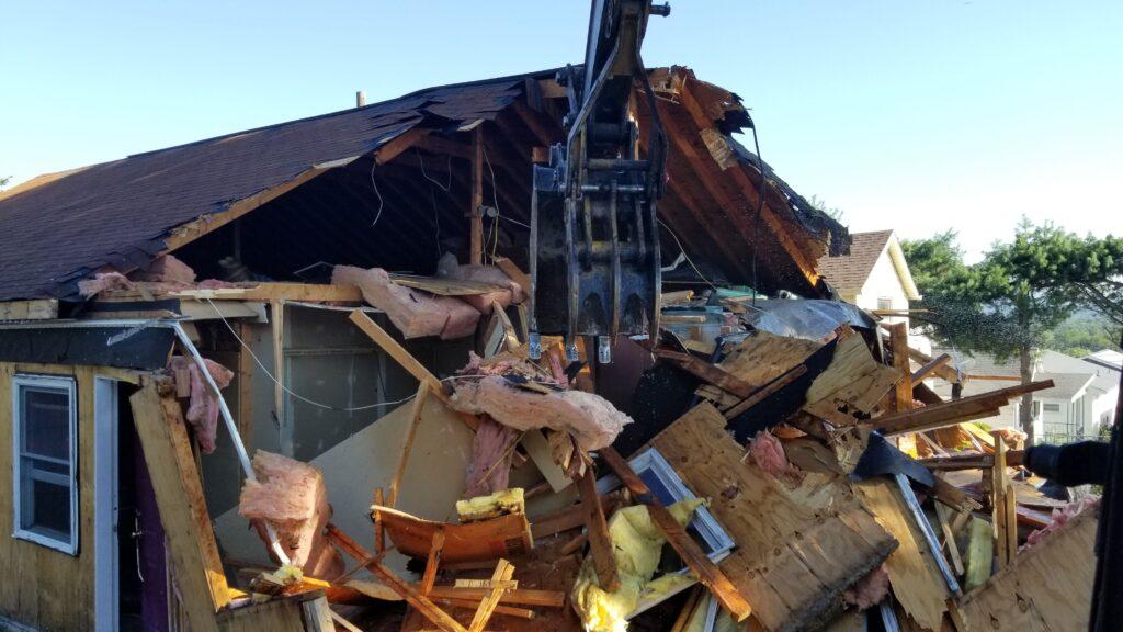 Demolish A House in Kingston, Pennsylvania